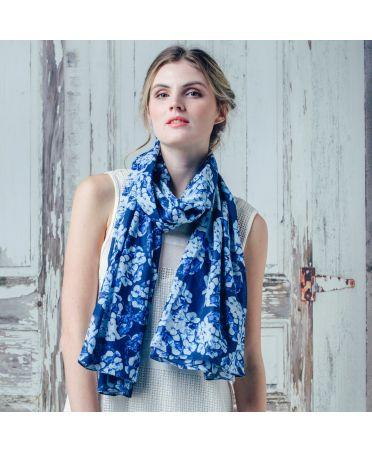 Saffron & Co modrý-bílý dámský maxi šátek Prunella 8 wd008c02