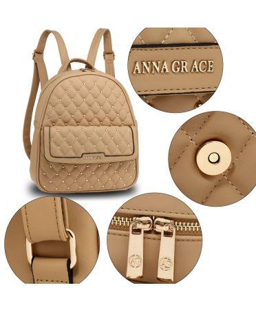 Anna Grace luxusní béžový batoh se značkou na přední straně 712 AG00712_NUDE